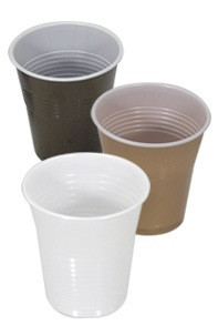 73 - Vasos Plásticos de Café y Agua